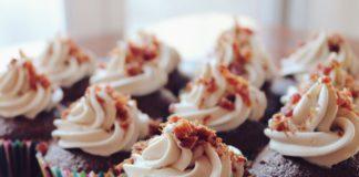 cupcakes 690040 1280